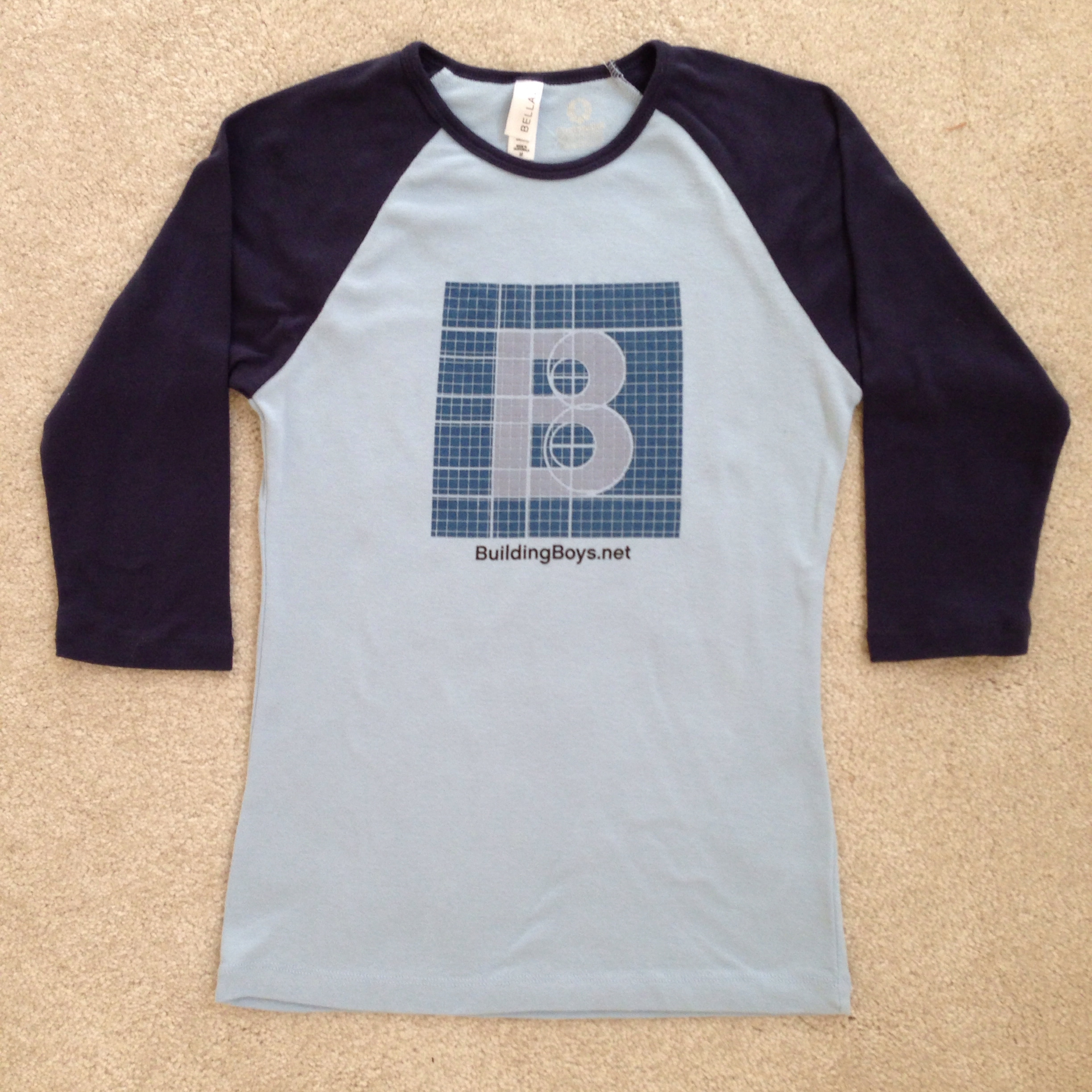 T-Shirt with Building Boys logo.